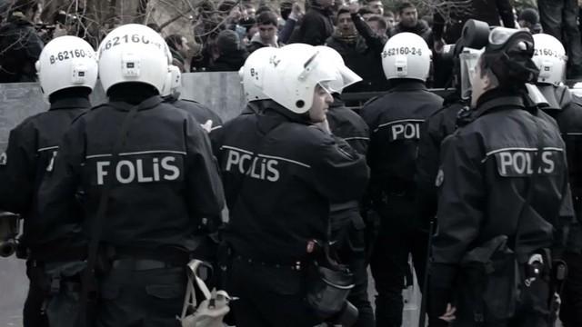 Yasa dışı dinleme operasyonunda 18 polis için yakalama kararı!