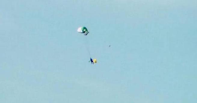 Havada paraşütü kapanan pilotun can pazarı
