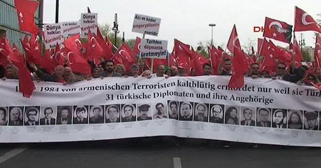 Binlerce Türk yürüdü