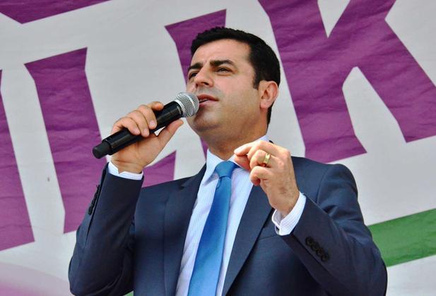 Demirtaş: Ne dışarıdan, ne içeriden, AKP'yi desteklemeyeceğiz
