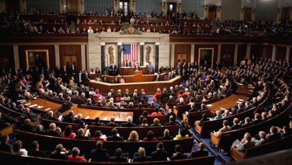 Demokratlar Kongre'de Trump'a karşı harekete geçti