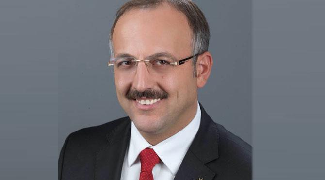 Silahlı saldırıya uğrayan AKP'li belediye başkanı öldü