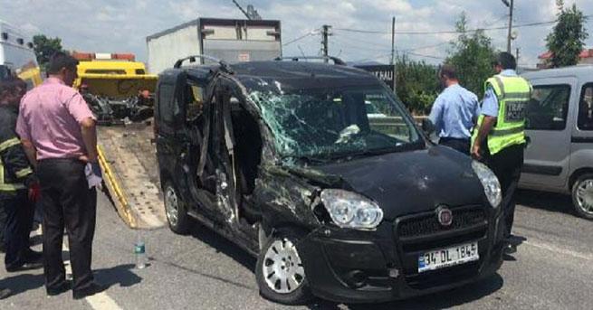 Halk otobüsü kaza yaptı: 1 ölü, 3 yaralı