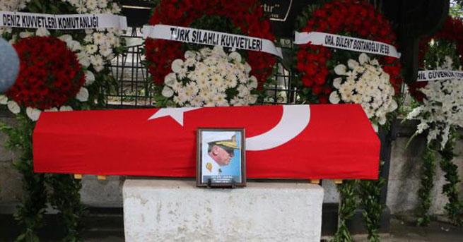 Emekli Tuğamiral Cem Aziz Çakmak'a veda