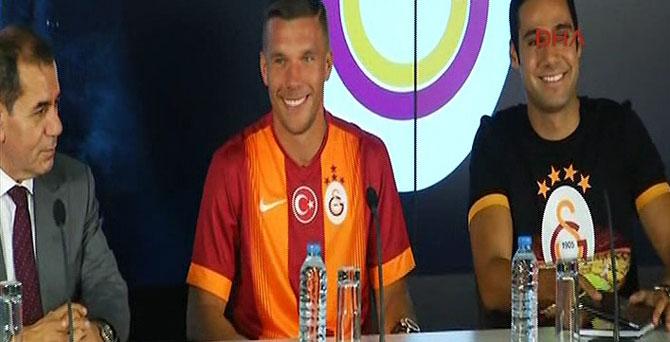 Ve Podolski imzayı attı..