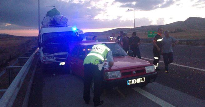 Zincirleme trafik kazası!… 1 ölü, 5 yaralı!