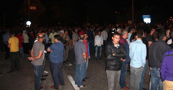 Zonguldak-Ankara Karayolu'nu trafiğe kapattılar