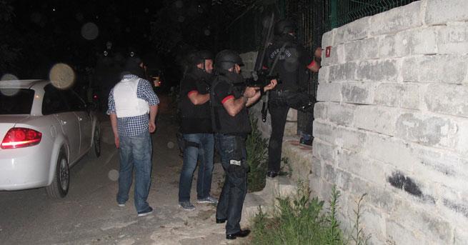 Gazi Mahallesi'nde 'terör' operasyonu