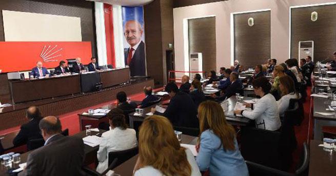 Kılıçdaroğlu, milletvekilleri ile bir araya geldi