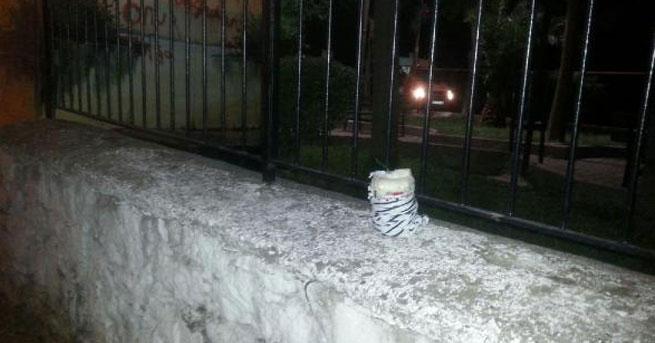 Karakol duvarına bombalı paket