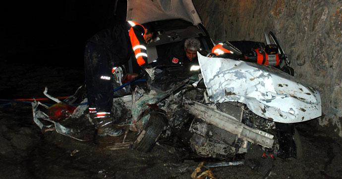 Katliam gibi kaza!… 3'ü çocuk 5 ölü, 2 yaralı!