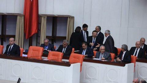 550 kişilik mecliste, 554 pusula çıktı!