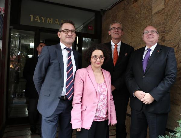 Yabancı diplomatlardan Hakan'a geçmiş olsun ziyareti