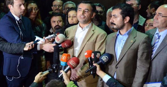 Milletvekilleri ve gazetecilerden tutuklamalara tepki