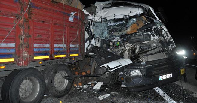 3'ü TIR 4 araç birbirine girdi!… 1 ölü, 2 yaralı!