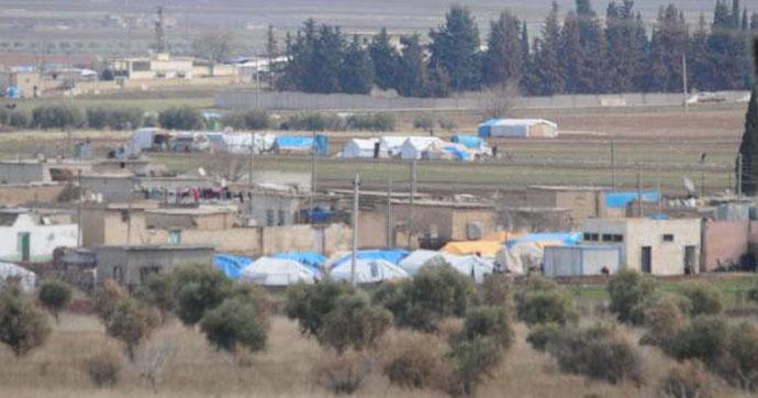 Kilis'in sınırının Suriye tarafı çadırlarla doldu