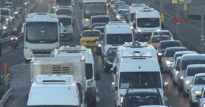 Tatil bitti, trafik çilesi başladı!