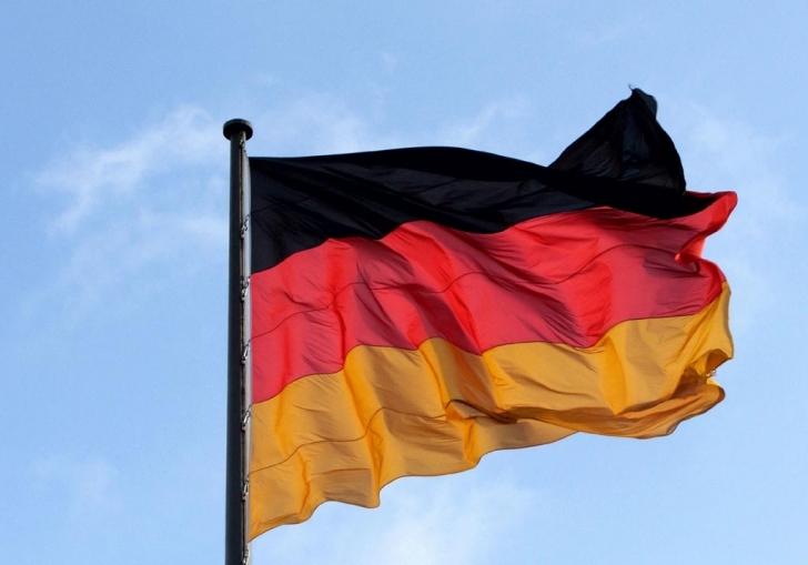 Almanya İçişleri Bakanlığı: Kaçak 500 kişi mercek altında