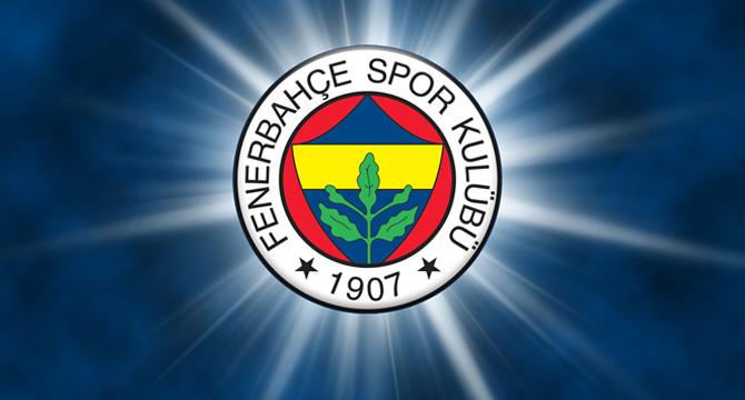 Fenerbahçe'yi taşıyan uçağın camı patladı!