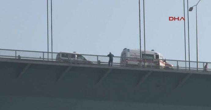 İstanbul trafiğini kilitleyen intihar girişimi!