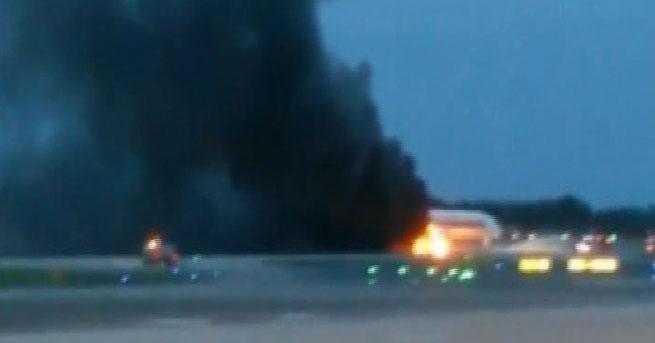 Uçakta yangın çıktı!