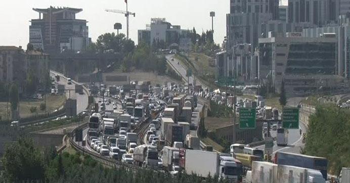 İstanbullular dikkat! Bayram trafiği başladı