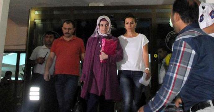 İlk türbanlı Rektör Saraç tutuklandı!