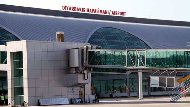 Diyarbakır Havalimanı'nda saldırı