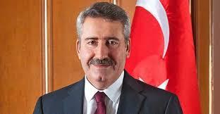 Eski İzmir ve Diyarbakır Valisi Cahit Kıraç'a gözaltı kararı