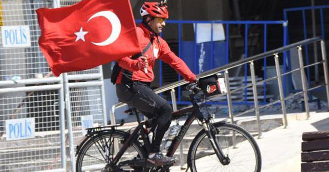 Darbe girişimine karşı, Almanya'dan Ankara'ya pedal çevirdi