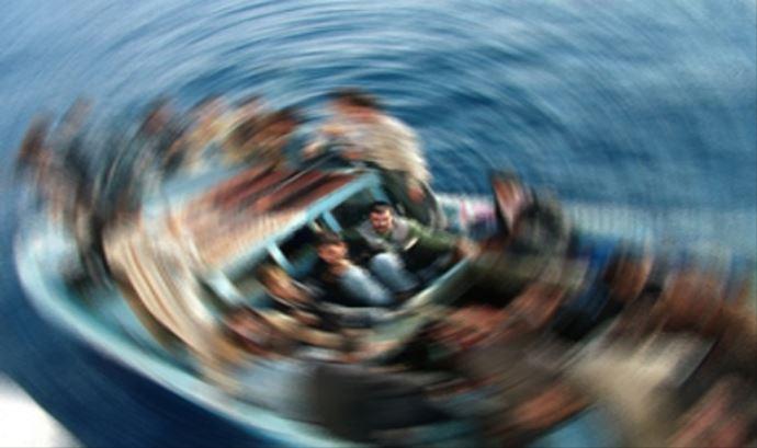 Ayvalık açıklarında bot faciası: 35 göçmen kurtarıldı