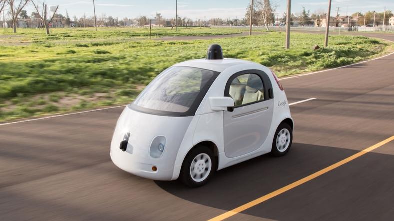 Google kendi sürücüsüz otomobilini geliştirmekten vazgeçti!
