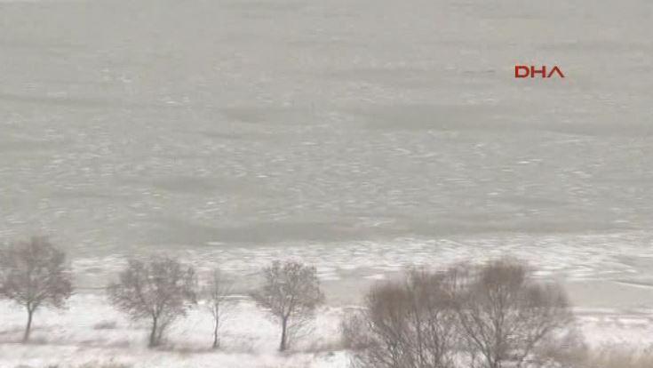 Büyükçekmece gölü dondu!