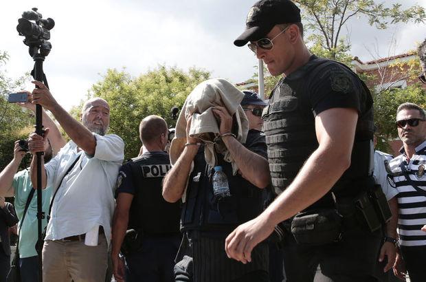 Yunanistan darbeci askerleri tahliye etti