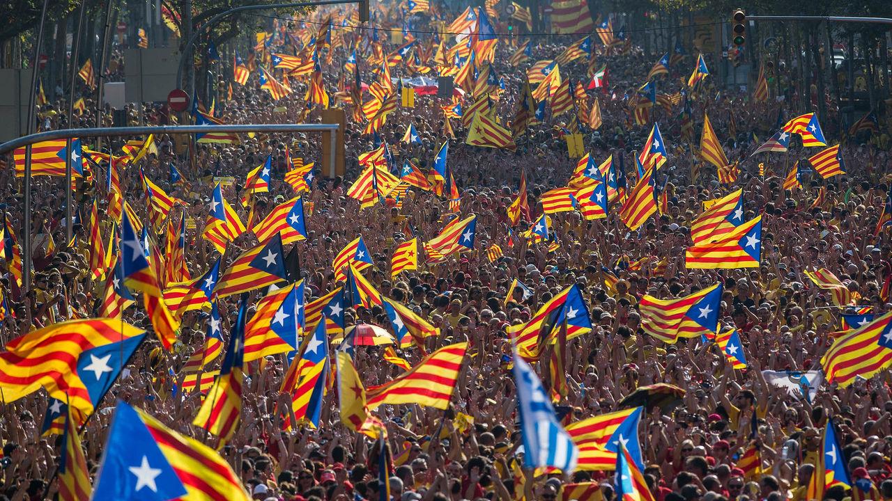 Katalonya referandumda ısrarcı