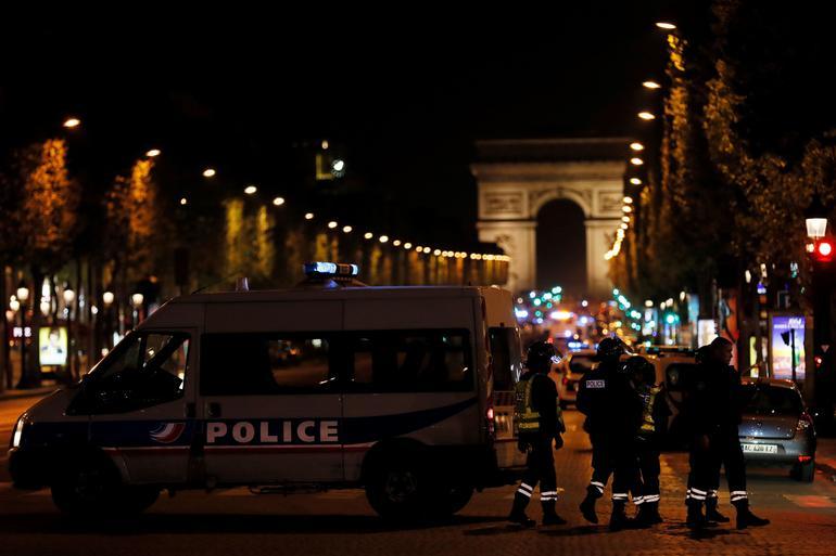 Fransa'daki silahlı saldırıyı IŞİD üstlendi!