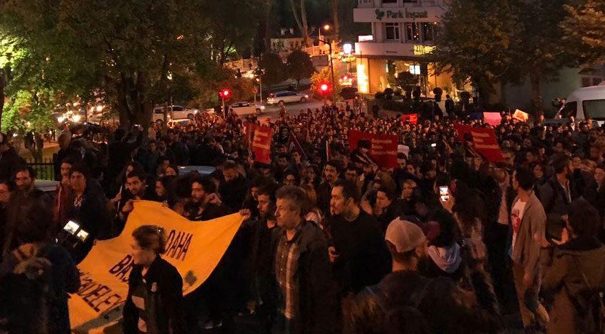 Referandumu protesto eden vatandaşlar yine sokaklara akın etti