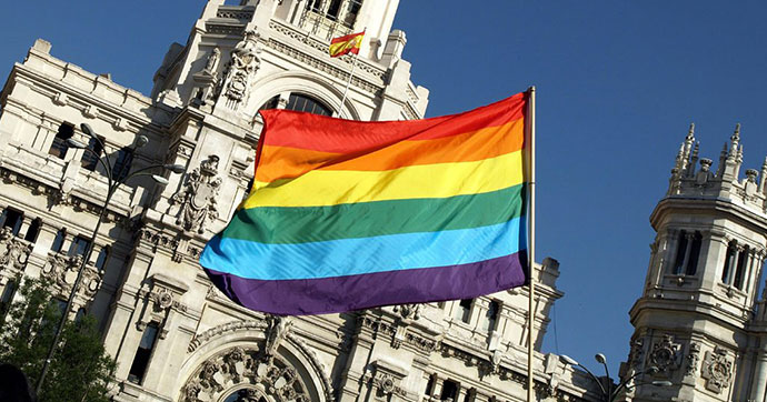 İspanya LGBTİ haklarında geriye gidiyor