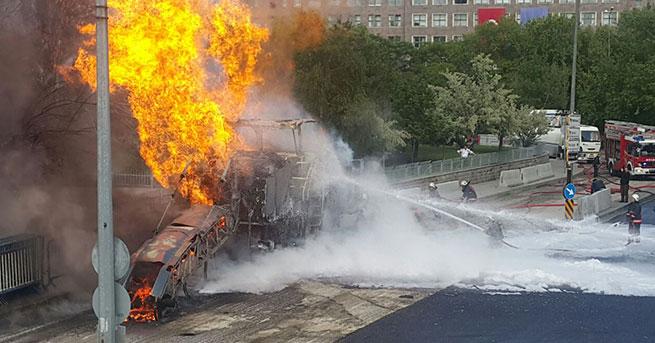 Ankara Adliyesi önünde yangın paniği