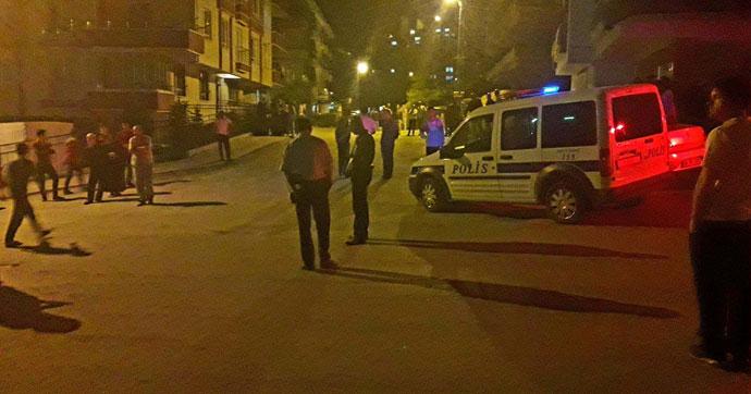 Sokakta oturanlara pompalı tüfekle saldırı!