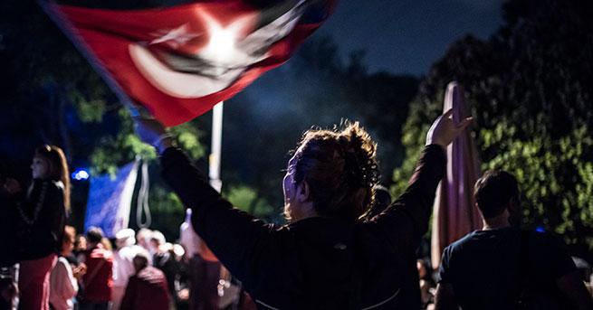 Maltepe Cezaevi önünde 'Adalet Nöbeti' sürüyor