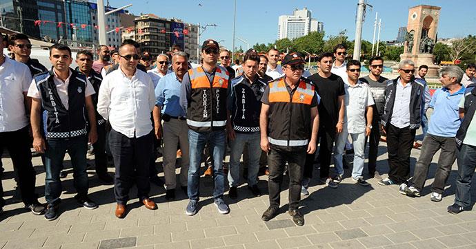 "Taksim'de 'Turizm"" denetimi …"