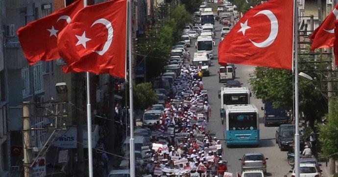 CHP'nin İzmir'den başlattığı yürüyüş sürüyor