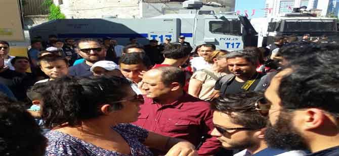 'Onur yürüyüşü'nde arbede: 10 gözaltı