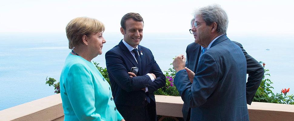 Macron'a duyulan güven düştü
