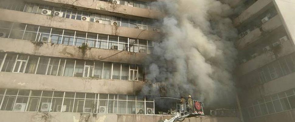 Yeni Delhi'de büyük yangın!
