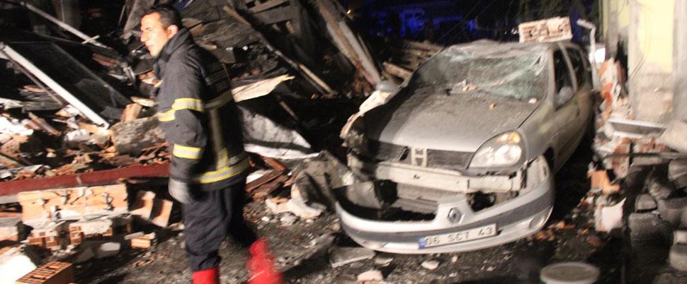 Lokanta tüpü 2 katlı binayı yerle bir etti!