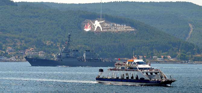 ABD savaş gemileri Çanakkale Boğazı'ndan geçti