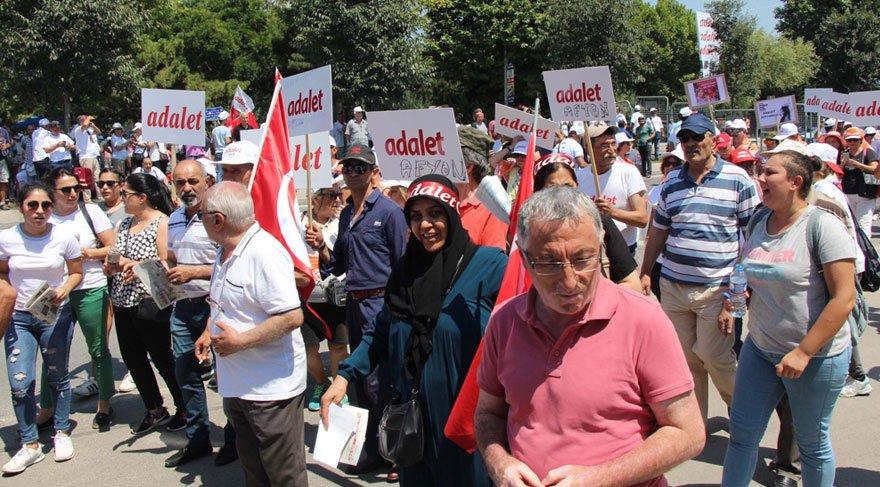 Bostancı'da toplananlar Maltepe'ye yürüyüşe geçti