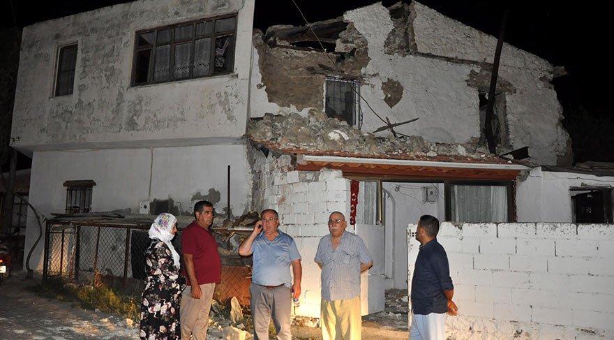 Depremde Datça'da bina çöktü!